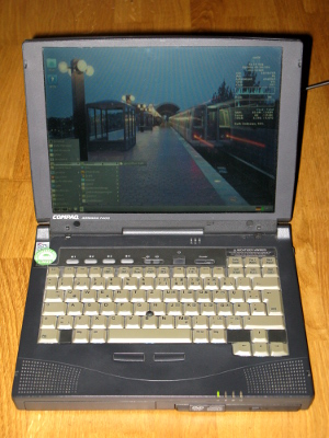 Compaq Notebook Armada 7400 mit AntiX 17.4.1